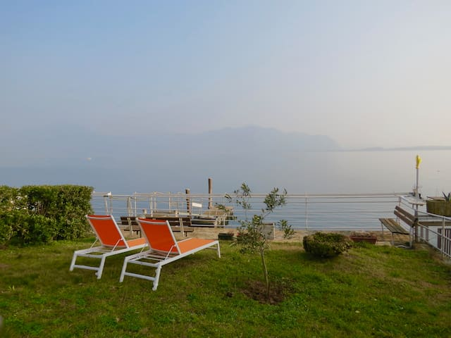 NEW Stunning Apt in Villa directly on the Lake - Predore - Wohnung