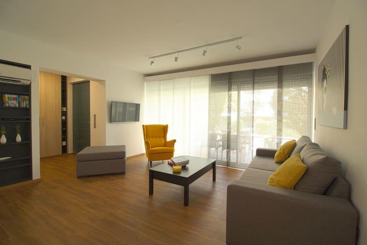 z51 Suite - Glifada - Квартира