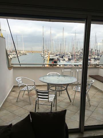 Ocean front Marina Paradise - Herzliya - Huoneisto