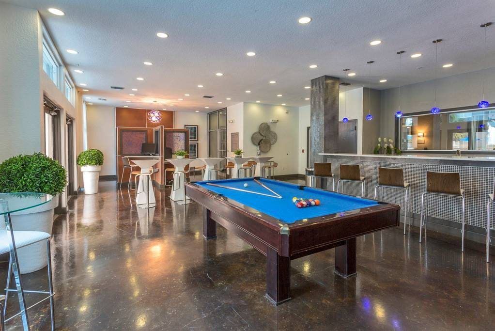 24/7 Billiards Room
