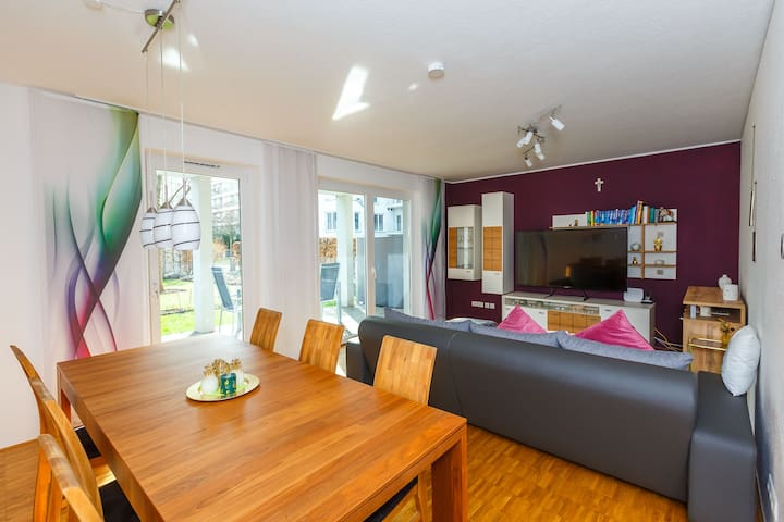 2 Bedroom Apartm. next to Rhine river and parking