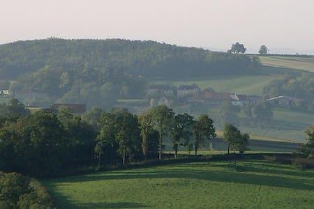 château de  1900 dans la campagne - Saint-Romain-sous-Gourdon - Zamek