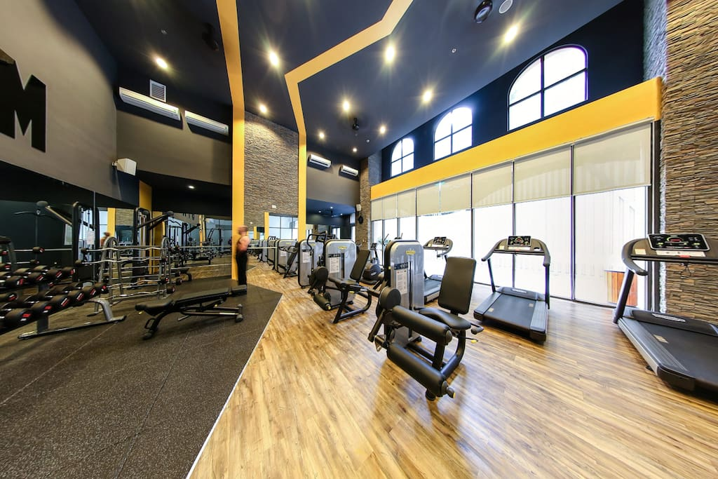 Cardio and free weight area in the gym. Don't forget to keep hydrated during your workout with free water provided