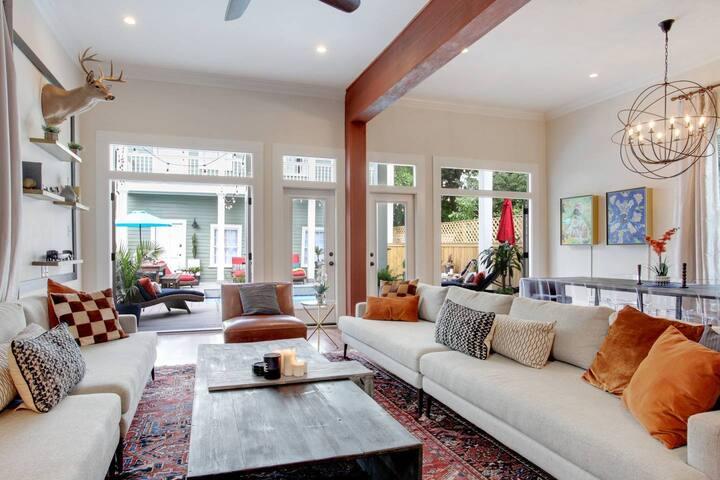 Glamorous Garden District Luxury Home Pool