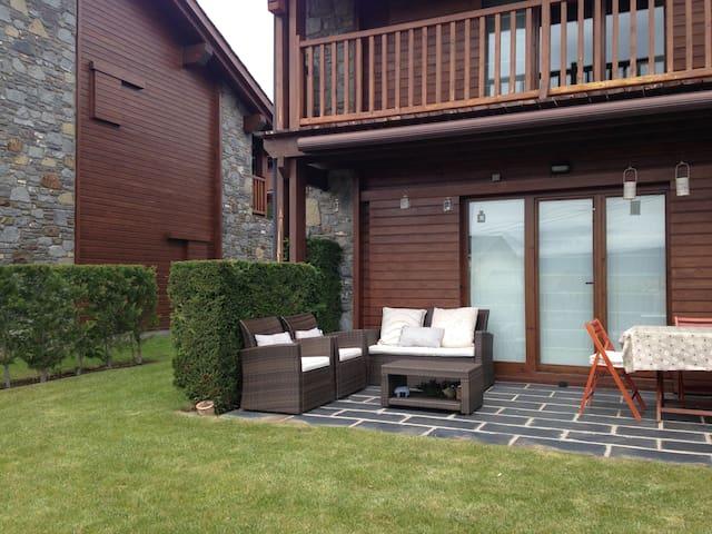 Casa en la Cerdanya Francesa, con jardin y piscina - Estavar - Haus