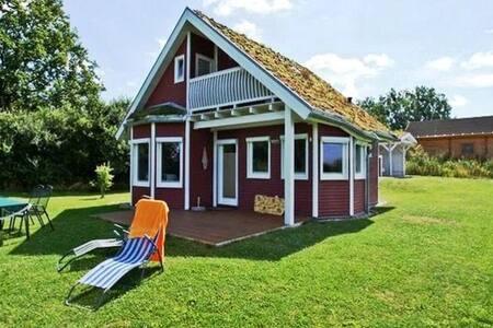 Norwegerhaus am Tollensesee
