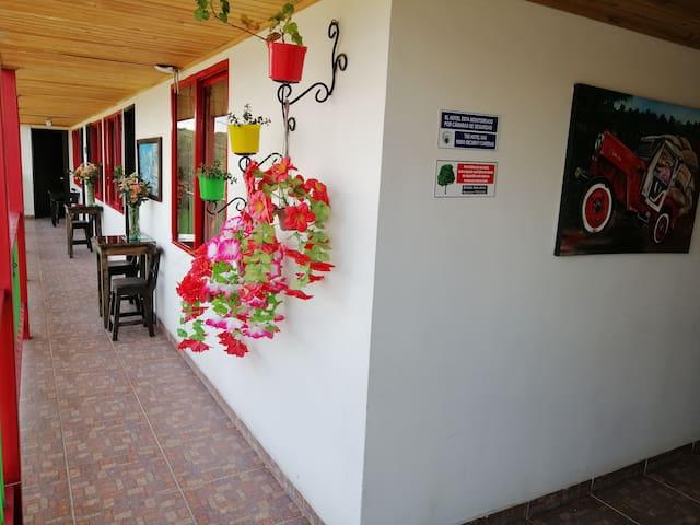 Hotel 5 min  PARQUE DEL CAFÉ, 15 min  PANACA