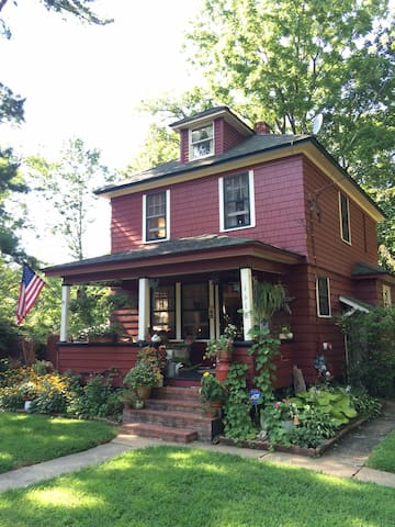 Rustic Farmhouse with Eclectic Charm2 - Middletown - Casa