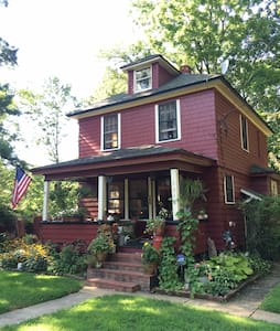 Rustic Farmhouse with Eclectic Charm2 - Middletown