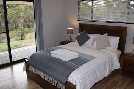 Eagle Bay House - Summer Room