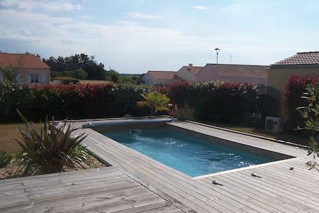 Chambre et piscine / mer à vélo / au calme - L'Île-d'Olonne