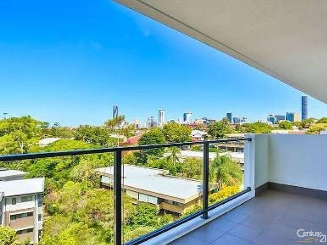 Spectacular Golf Course & City Views from Level 8 - Kelvin Grove - Apartment