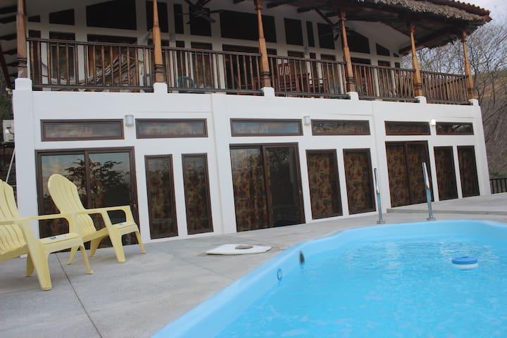 Casa Pelicano - Playa El Coco - Hus