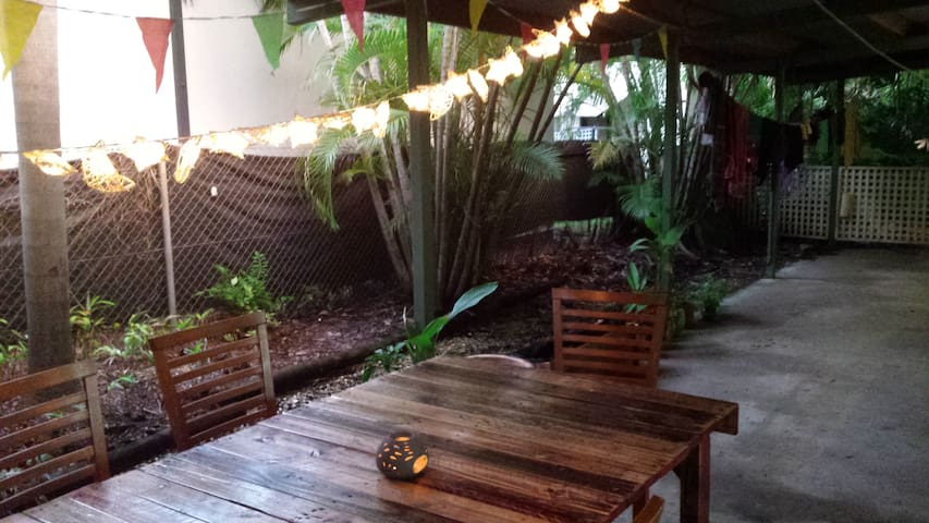 Experience real Darwin living - Rapid Creek - Casa
