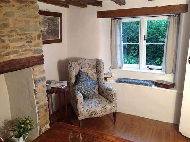 Character Cottage Near Bude - Bude - Casa