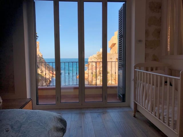 Royal Suite: romantic nest with stunning sea view