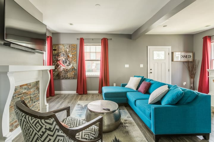 """""""3 Private Queen Bedrooms"""" Columbus Home"""