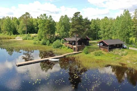 "Lake view ""cabin"""