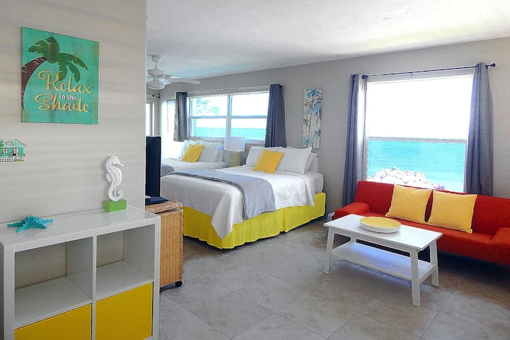 Amazing Ocean Front Views, Sleeps 4 Key Colony Bch