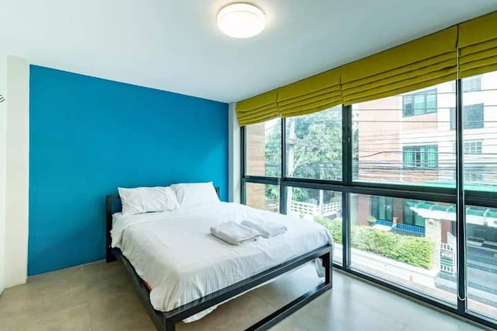 Superb Comfy Double Room at We Living Space