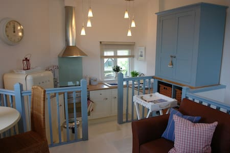 Bright 1 Bedroom Barn Conversion - Devon