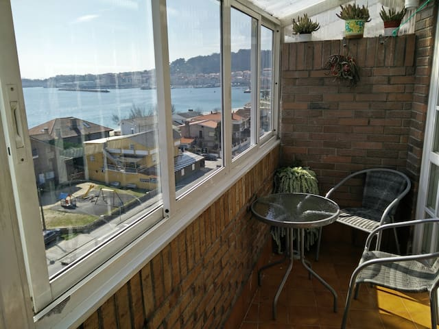 Views to the sea, near the beach - Cangas - Daire