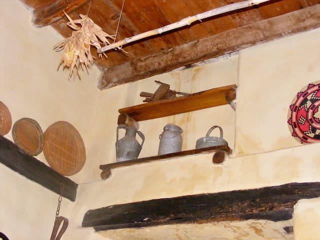Casa tipica sarda - Santu Lussurgiu - Rumah
