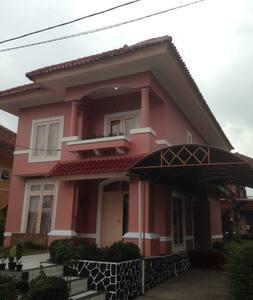 Villa Bukit Cipendawa 3BR Extra Bed - Kabupaten Cianjur - Villa