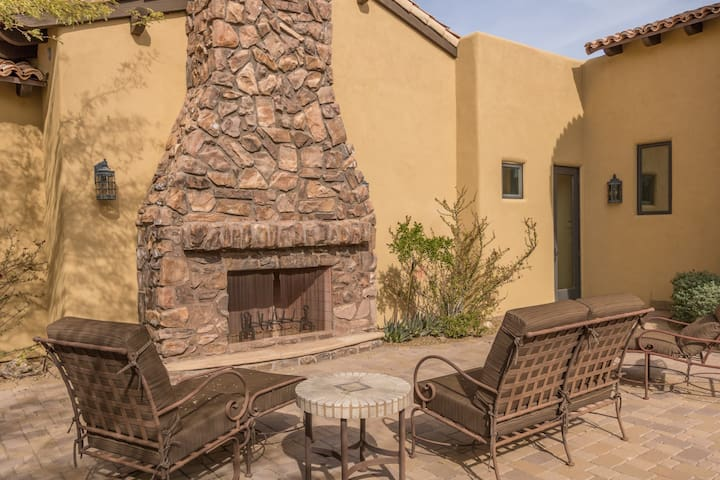 Sitting area in courtyard - enjoy Happy Hour with your Hosts each late afternoon.