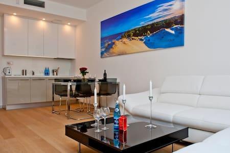 Luksusowy apartament w Juracie - DORIS - Apartemen