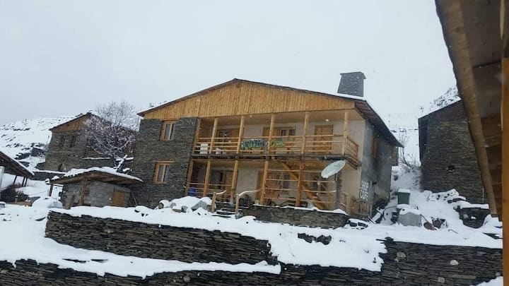 Tusheti, Upper Omalo, Guesthouse Tsikhisdziri