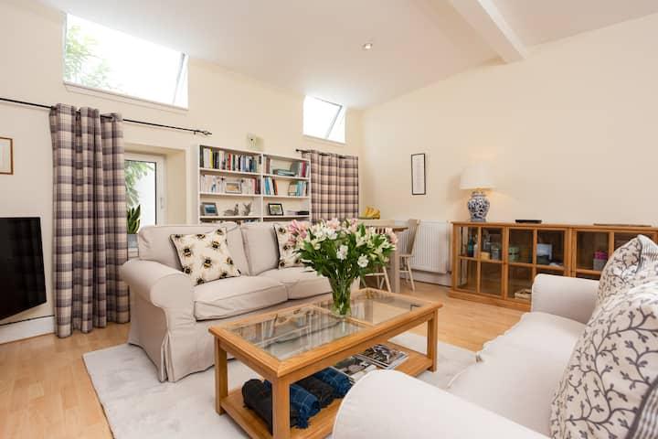 Luxury Morningside Cottage with Patio