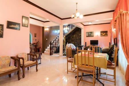 SANDUN UYANA LUXURY HOUSE  - Pilimatalawa