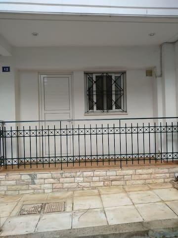 διαμερισμα 40 τ.μ αψογο ! / apartment perfectly