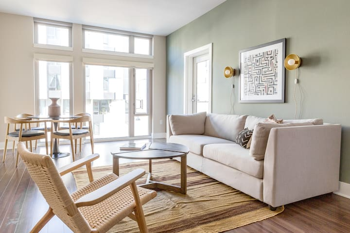 Sonder | Mission Bay | Deluxe 2BR + City View