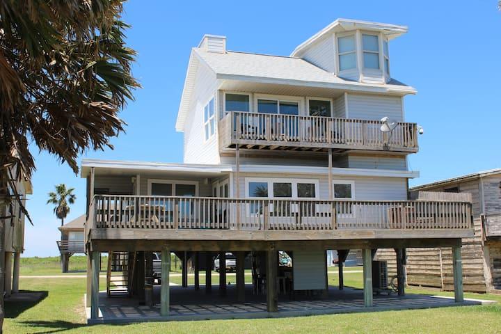 Lazy Daze-Amazing Front Row Beach House-Free Wi-Fi