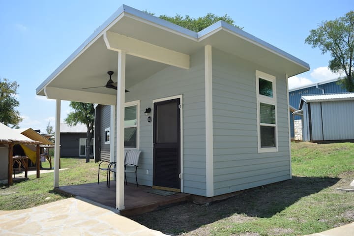 Tiny House 815 at MLF Community First Village