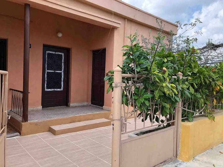 Fully furnished house short or long term rent.
