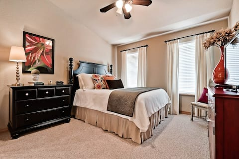Your Home Away From Home! Clean, Cozy & Comfort!