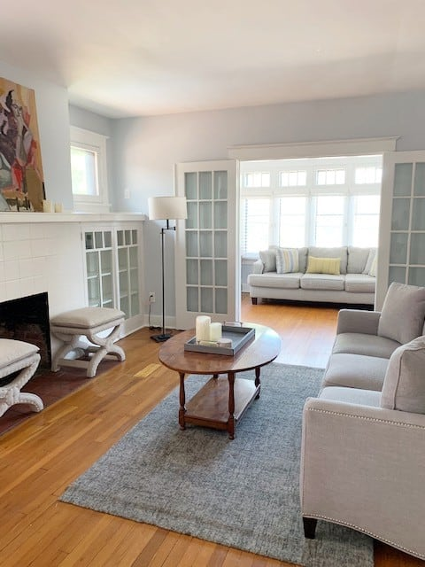 Bright and Spacious Apartment 10 mins to Downtown