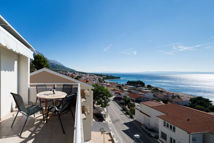 Spectacular sea views  + garage. - Baška Voda - Pis