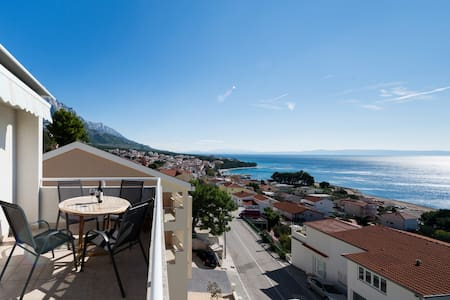 Spectacular sea views  + garage. - Baška Voda - Appartement