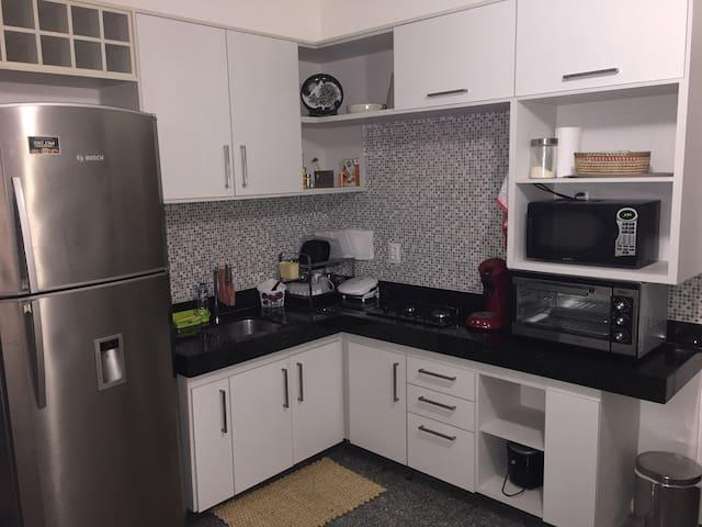 Cozinha Completa (Serviço de Limpeza Diária Incluso)