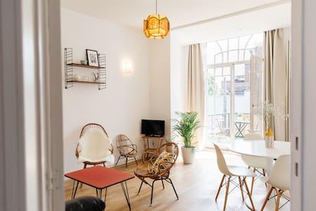 Apartamento luminoso de 70m2 con terraza.
