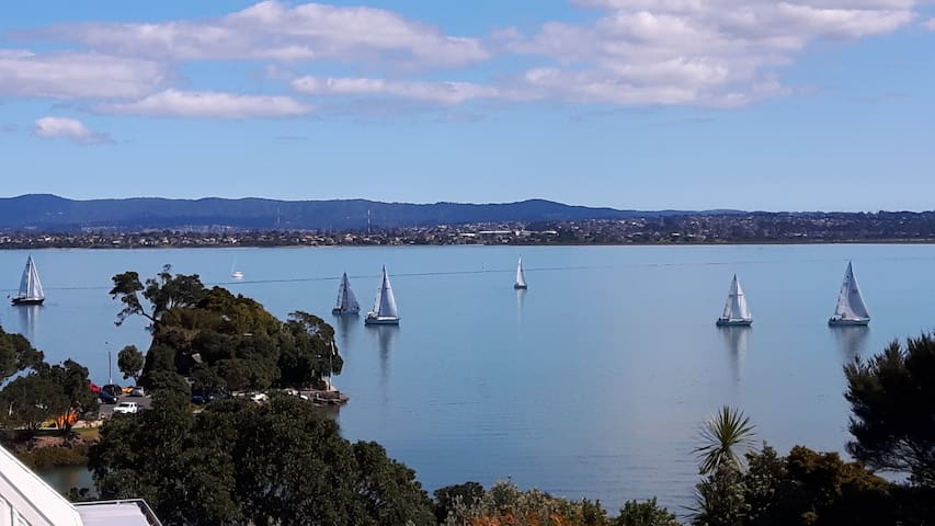Auckland secluded beach and view. 4 Bedrooms - Auckland - Huis