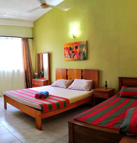 Room in Unawatuna Apartments near beach