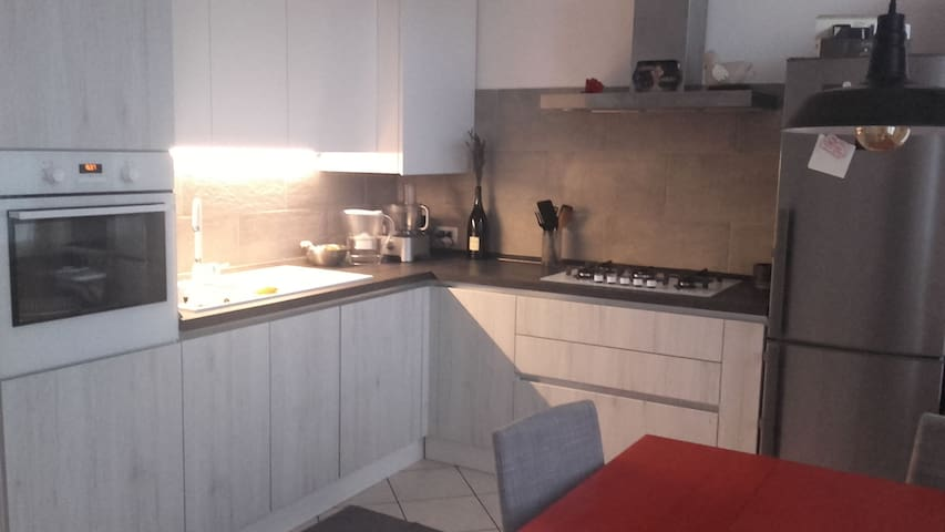Cozy apartment 12' from Brera/Isola - Milán - Apartamento