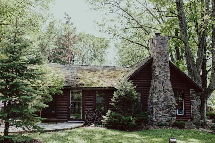 Cedar Lakes Estate Lakeside Cottage - Port Jervis - Cabaña