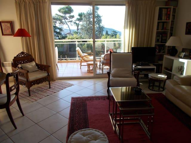 Appartement Cimiez, charme,calme et confort