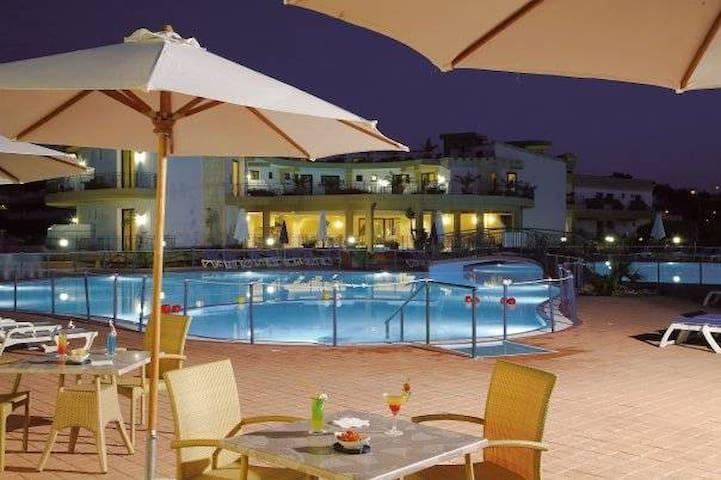 casa vacanze CAMPOFELICE DI ROCCELLA - Contrada Pistavecchia 1 - Ferienunterkunft